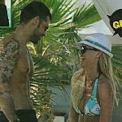 """Veridiana in spiaggia con l'ex di Nicole Minetti e Sara Tommasi... ma nega di avere un """"probabile flirt"""" con Rocco Pietrantonio"""