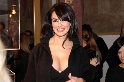 Maria Grazia Cucinotta, un'altra scollatura mozzafiato!