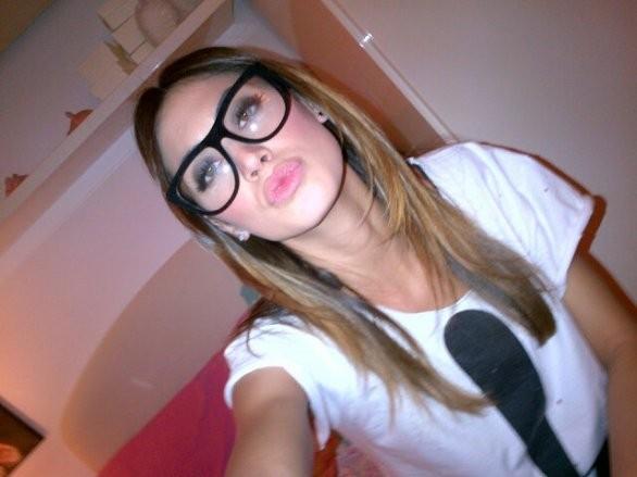 Melissa satta con gli occhiali da vista su twitter for Attrici con gli occhiali da vista
